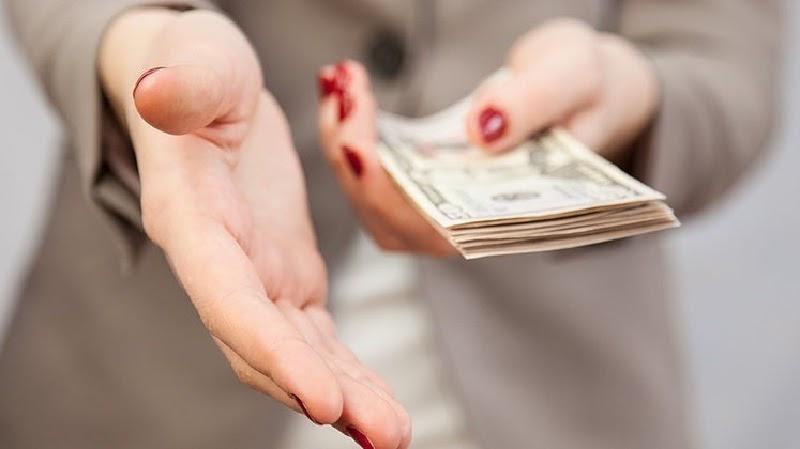 Nhân viên bảo hiểm sẽ không nói với bạn họ được bao nhiêu tiền hoa hồng