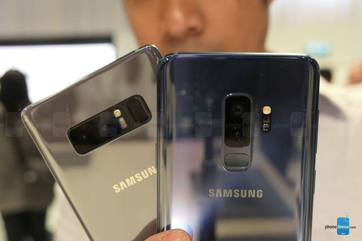 Galaxy Note 8 và S9 Plus đều được trang bị cụm camera kép ở mặt lưng