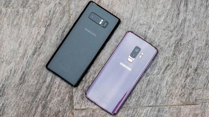 Galaxy S9 Plus và Note 8 đều có thiết kế màn hình lớn, kích thước tương đương nhau